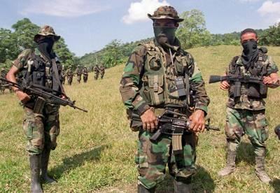 colombias_paramilitares_venezuela.jpg