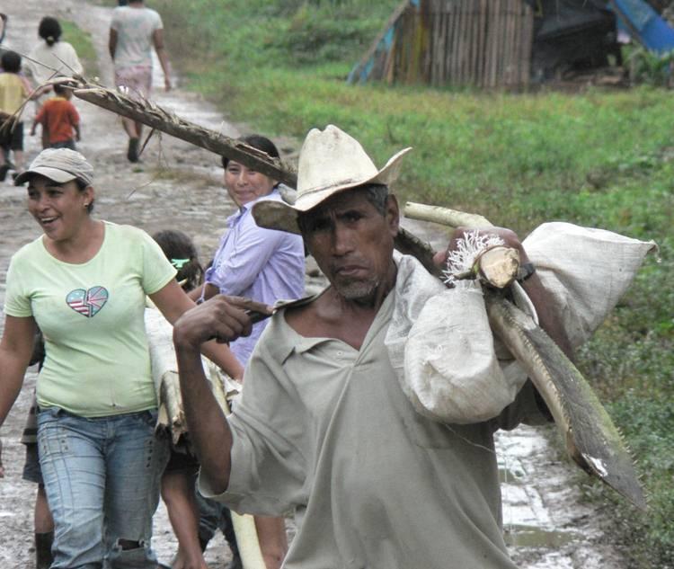 http://www.resumenlatinoamericano.org/images/stories/honduras_campesinos_represion.jpg